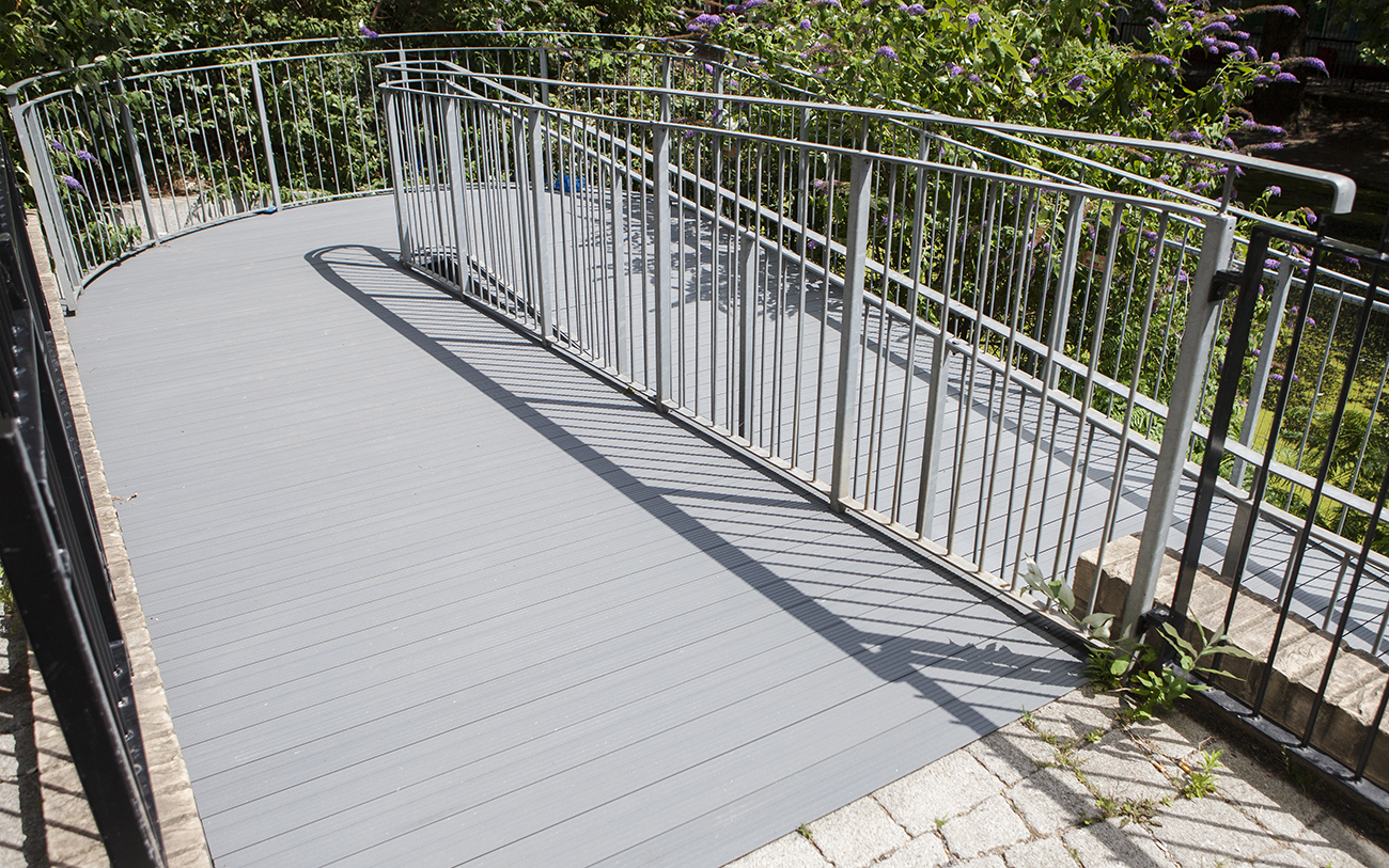 AliDeck Non-Combustible Aluminium Metal Decking for Walkway and Rampway Projects